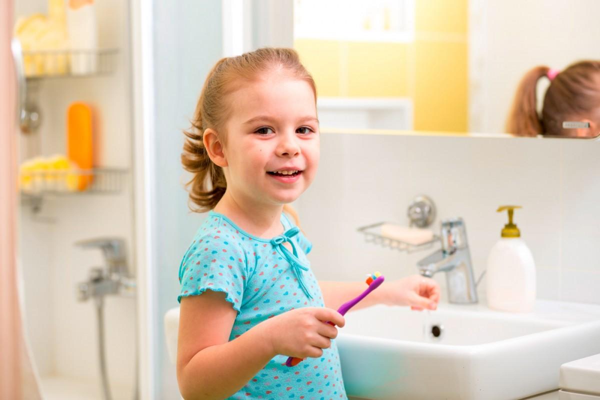 bébé-dentifrice-enfant-fluor