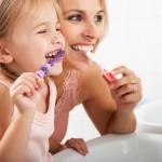 Habituer l'enfant à la brosse à dents!