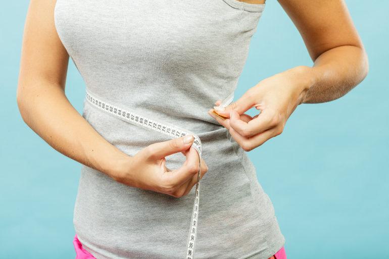 femme-mesure-tour-taille-perte-poids_afslanken