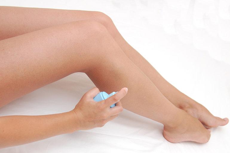 jambes-femmes-spray-autobronzant_zelfbruiners