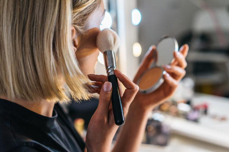 maquillage-teint-peau-fetes-bouche